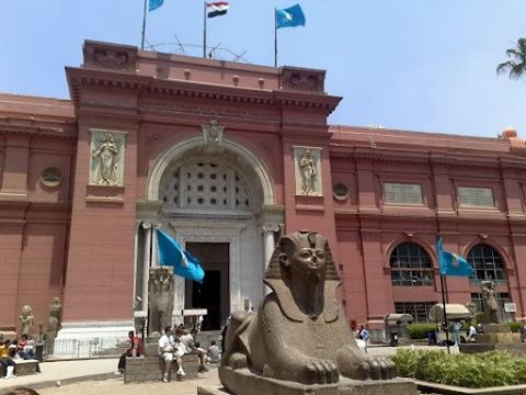 Visit the Egyptian Museum in half day tour