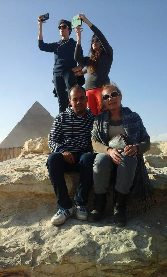 Budget Day Tour to Giza Pyramids and Egyptian Museum